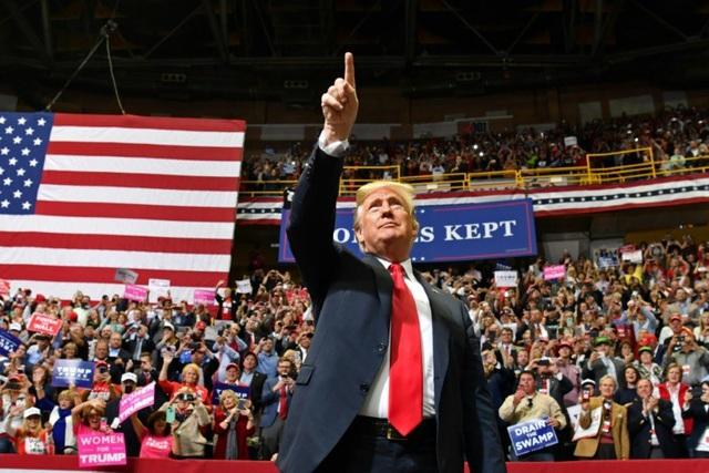 Ông Trump dự sự kiện vận động bầu cử tại Tennessee hôm 4/11. (Ảnh: AFP)