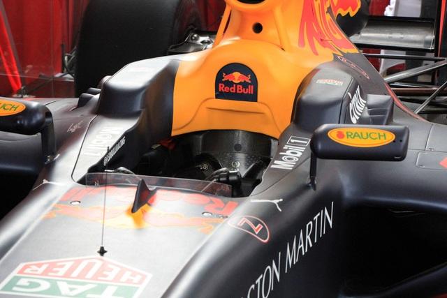 Xe đua F1 chỉ có duy nhất một chỗ ngồi
