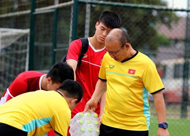 Đội tuyển Việt Nam sau trận thắng Lào: Giấu bài triệt để, chờ đấu Malaysia - 13