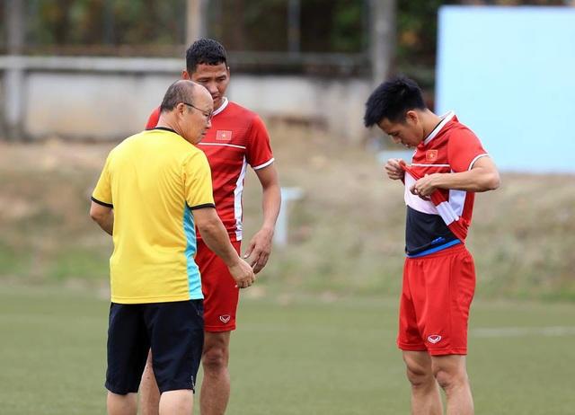 Đội tuyển Việt Nam sau trận thắng Lào: Giấu bài triệt để, chờ đấu Malaysia - 12