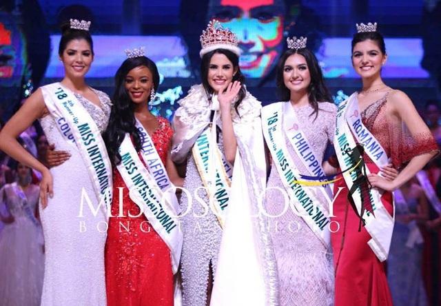 Hoa hậu quốc tế và 4 á hậu