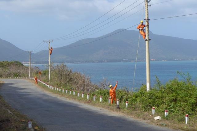 Điện góp phần ổn định an ninh chính trị, phát triển kinh tế trên các vùng biển đảo phía Nam tổ quốc