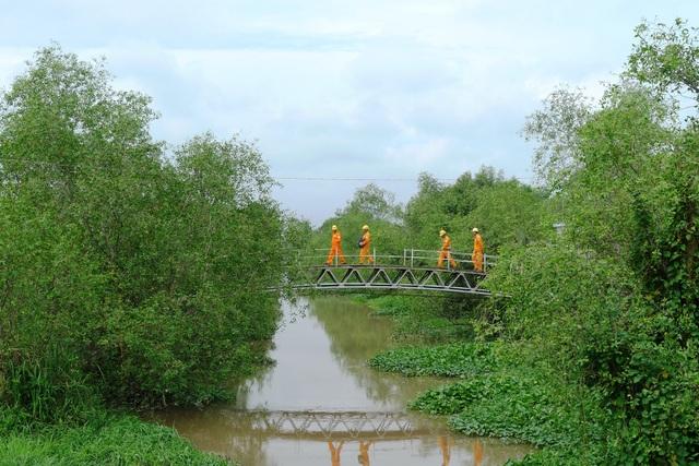 Điện về thay đổi đời sống bà con dân tộc Khmer tại các tỉnh Trà Vinh, Sóc Trăng, Bạc Liêu, Kiên Giang.