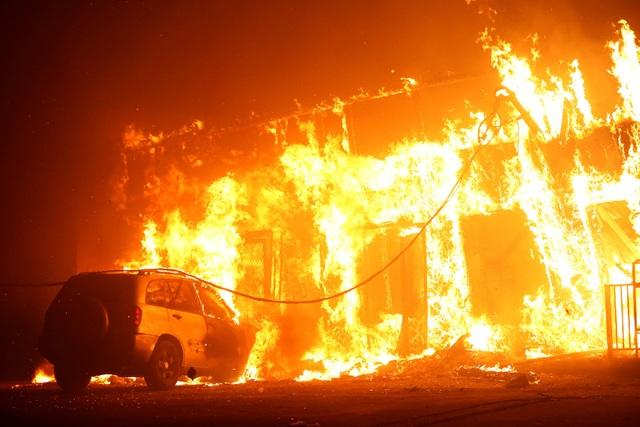 Mức độ tàn phá của đợt cháy rừng vẫn chưa thể xác định vì lực lượng cứu hỏa vẫn chưa thể tiếp cận được khu vực Paradise.