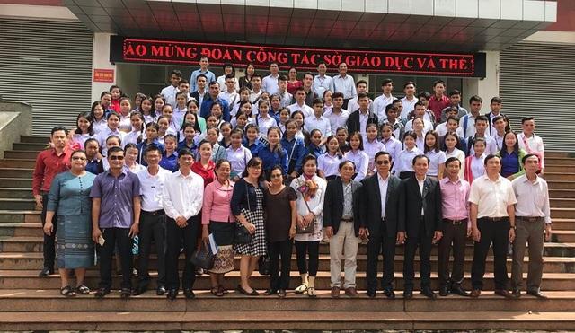 Tỉnh Quảng Ngãi tiếp nhận, đào tạo cho 114 sinh viên Lào