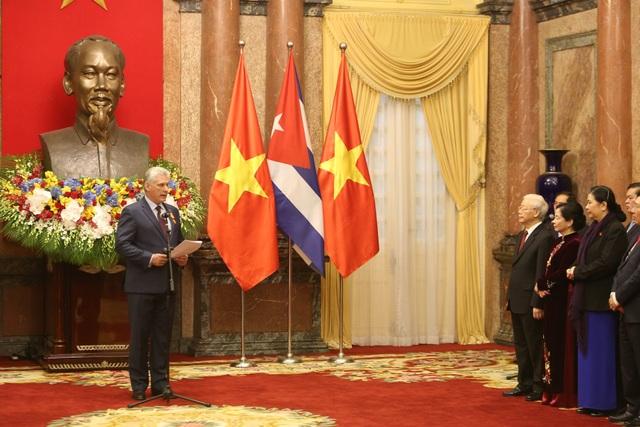 Chủ tịch Hội đồng Nhà nước và Hội đồng Bộ trưởng nước Cộng hòa Cuba Miguel Mario Diáz Canel Bermúdez cho biết, tình hữu nghị Việt Nam - Cuba trở thành một biểu tượng vô cùng đặc biệt, tình hữu nghị hai nước được hình thành nên từ tình anh em, sự hợp tác, tôn trọng lẫn nhau bởi các lãnh tụ.