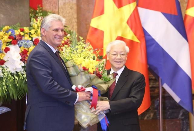 Hai nhà lãnh đạo Việt Nam - Cuba