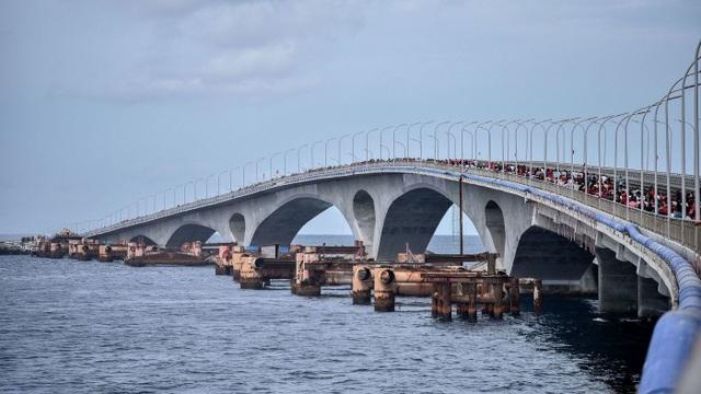 Cầu Sinamale nối sân bay chính của Maldives với thủ đô Male do Trung Quốc xây dựng. (Ảnh: AFP)