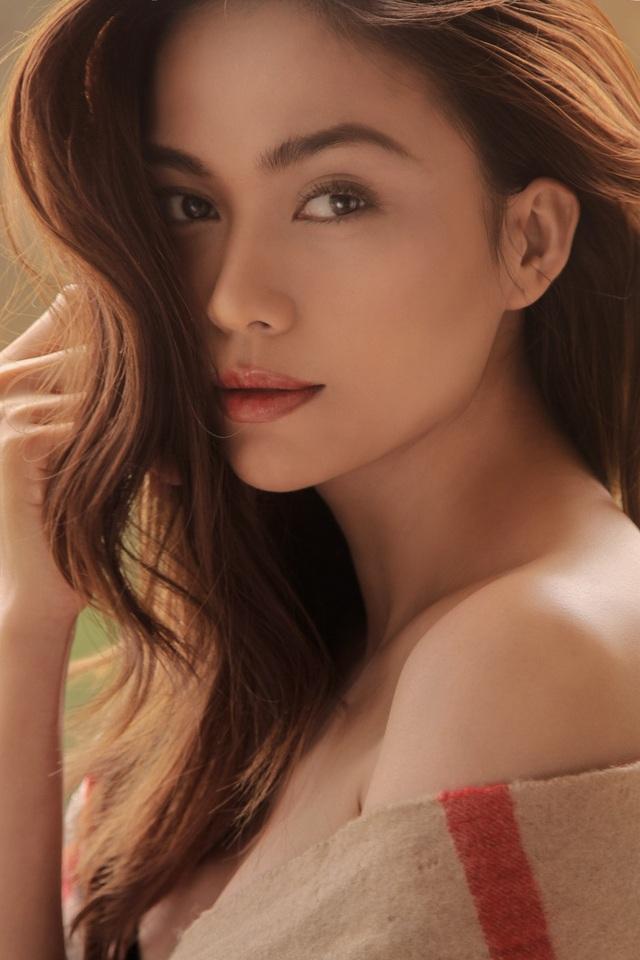 Cách đây hơn 1 năm, Mâu Thủy đăng ký tham gia Hoa hậu Hoàn vũ Việt Nam, chính thức ghi danh vào hành trình chinh phục vương miện cao quý.