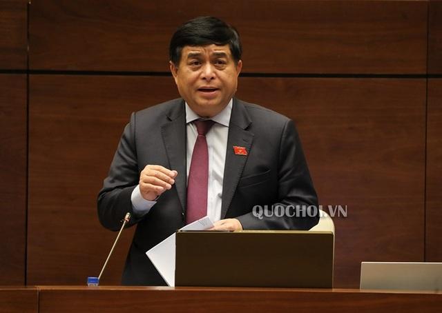 Bộ trưởng KH-ĐT Nguyễn Chí Dũng đại diện cơ quan soạn thảo giải trình một số vấn đề đại biểu Quốc hội nêu ra