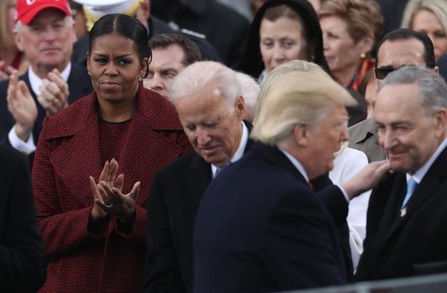 Cựu Đệ nhất phu nhân Mỹ Michelle Obama cho rằng Tổng thống Donald Trump từng đặt gia đình bà vào nguy hiểm. (Ảnh: AFP)