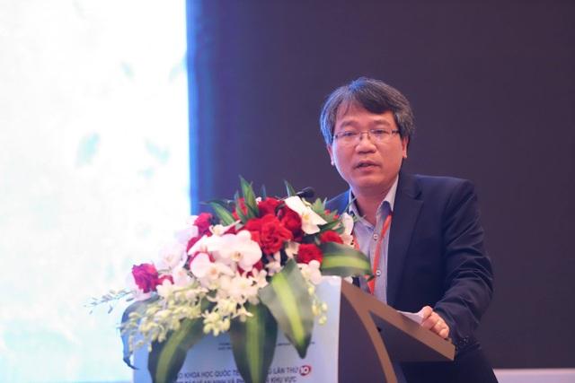 PGS.TS. Nguyễn Vũ Tùng (Giám đốc Học viện Ngoại giao) phát biểu bế mạc hội thảo