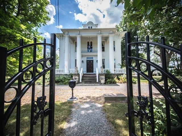 Căn biệt thự này được xây dựng từ năm 1878 tại New York, Mỹ.
