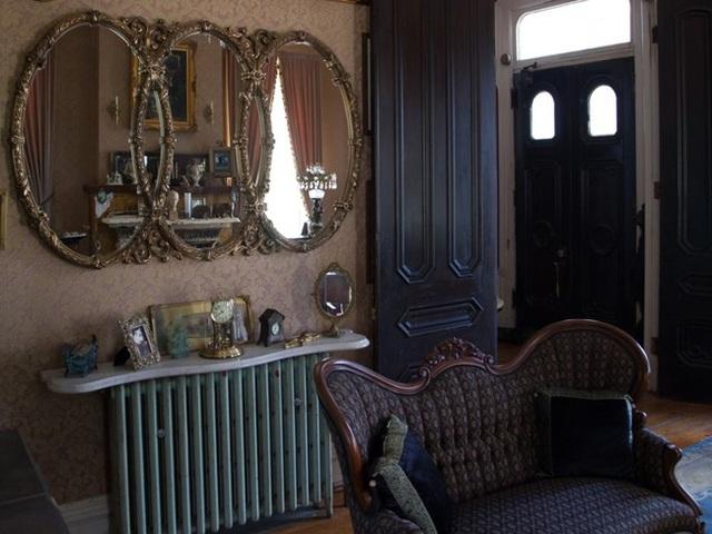 Căn biệt thự là một trong những ngôi nhà lâu đời nhất trong khu vực.