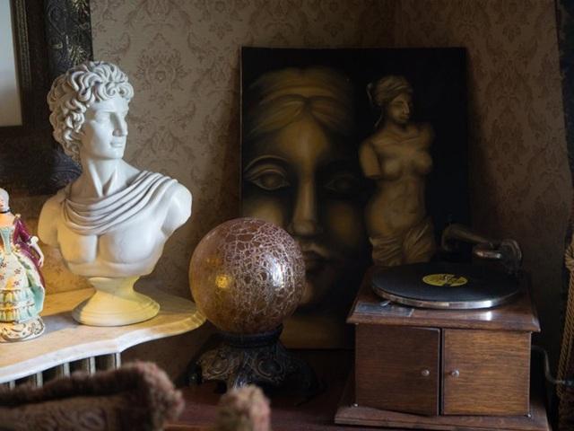 Đồ trang trí trong phòng khách
