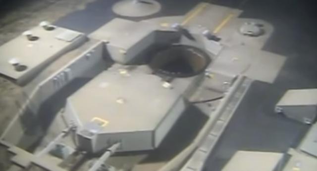 Tên lửa Minuteman III chuẩn bị được phóng từ căn cứ không quân ở California. (Ảnh: Sputnik)