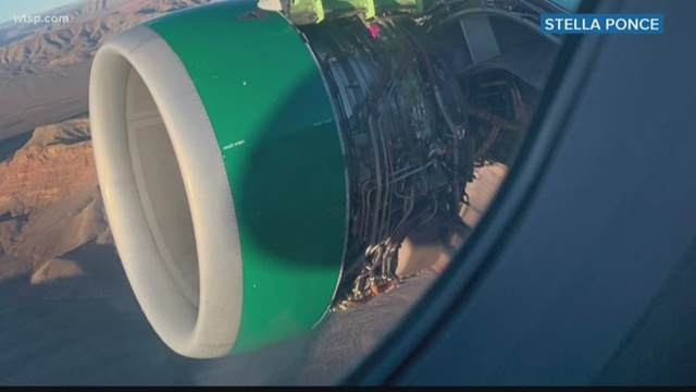 Động cơ máy bay bị rách toạc khi đang trên không trung, khiến hành khách rơi vào trạng thái hoảng loạn