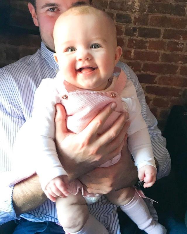Con gái là niềm hạnh phúc vô bờ của người đẹp