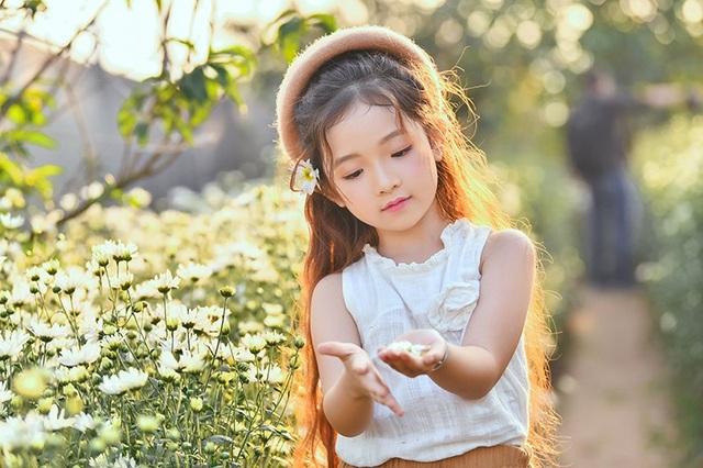 """""""Nàng công chúa tóc mây"""" 6 tuổi phiên bản Việt - 11"""
