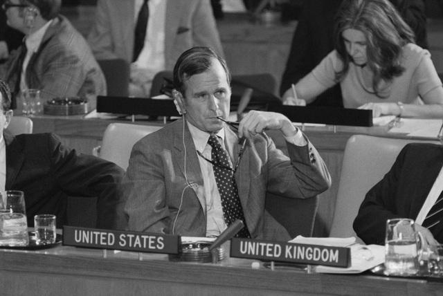 Ông Bush đại diện cho Mỹ tại Liên Hợp Quốc năm 1971. Ông giữ chức đại sứ Mỹ tại Liên Hợp Quốc từ năm 1971-1973. (Ảnh: Getty)
