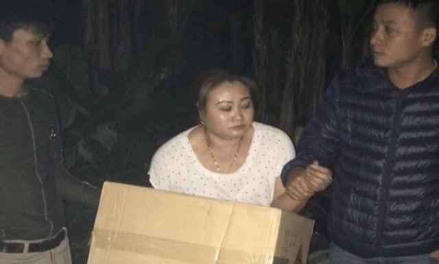 Đối tượng Trần Thị Nga và tang vật bị bắt giữ
