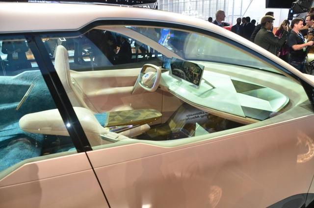 Vision iNext - Tương lai SUV tự lái của BMW - 2