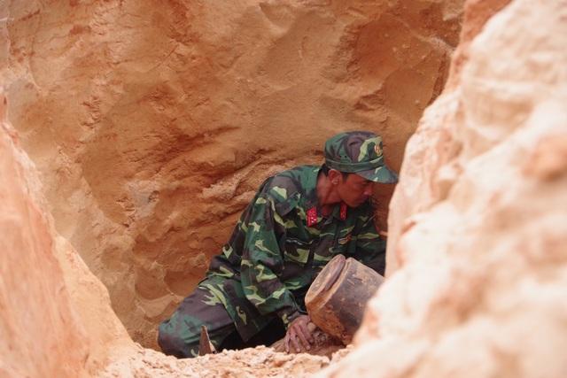 Bom được tìm thấy ở độ sâu trên 2m