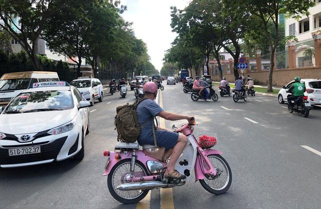 Cấm đường phục vụ giải Marathon quốc tế, giao thông trung tâm Sài Gòn hỗn loạn - 4