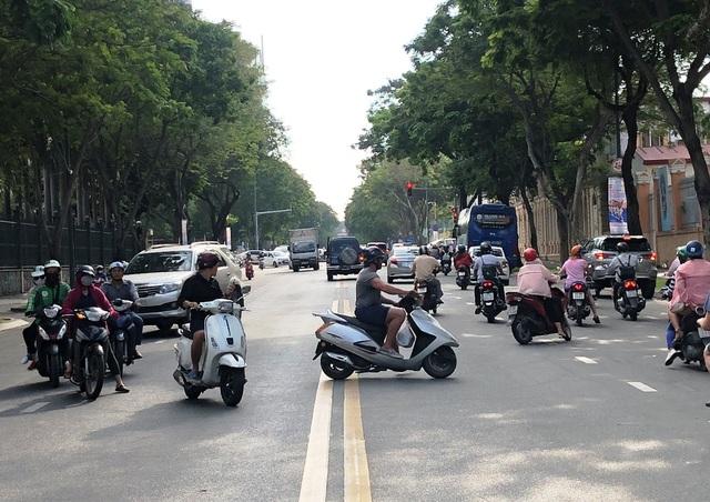 Cấm đường phục vụ giải Marathon quốc tế, giao thông trung tâm Sài Gòn hỗn loạn - 5