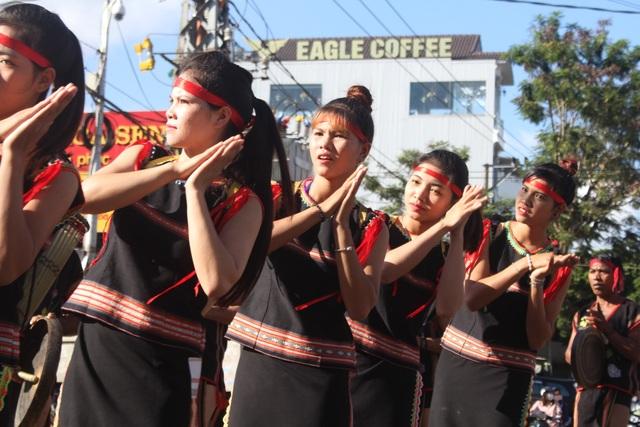Mỗi dân tộc trên địa bàn Tây Nguyên đã mang đến lễ hội những đặc trưng văn hóa đậm nét của dân tộc mình