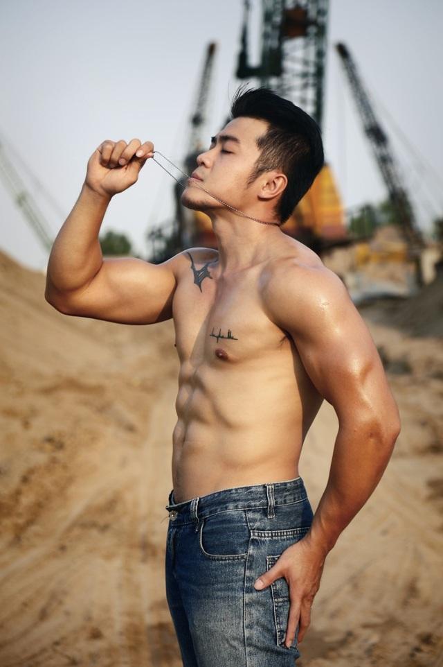 """Cơ bắp 6 múi """"vạn người mê"""" của chàng trai mê gym 29 tuổi - 1"""