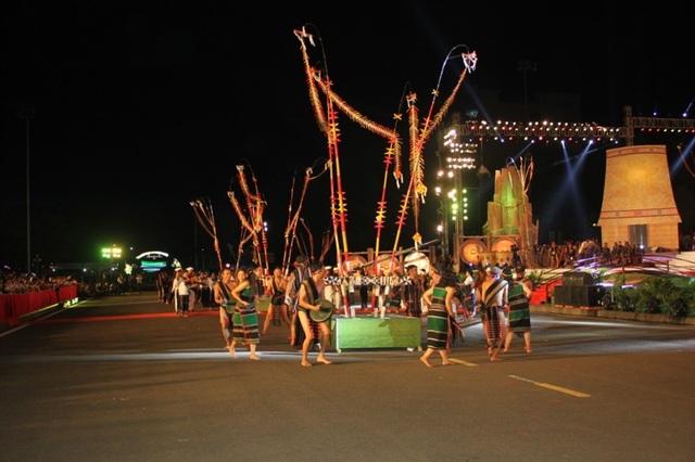 Rực rỡ sắc màu Festival văn hóa cồng chiêng Tây Nguyên - 5