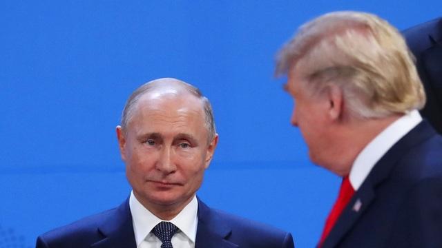 Tổng thống Nga Vladimir Putin và người đồng cấp Mỹ Donald Trump (Ảnh: Reuters)