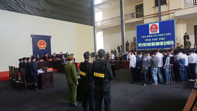 Chiều 30/11, tại TAND tỉnh Phú Thọ, HĐXX tuyên án đối với 92 bị cáo trong vụ án Đánh bạc nghìn tỷ.