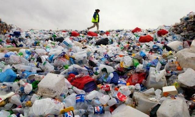 Sản phẩm nhựa dùng một lần đang gây ô nhiễm nghiêm trọng - ảnh minh họa