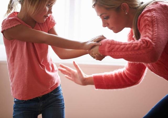 Cha mẹ tại Pháp sẽ không được quyền đánh phạt con - 2