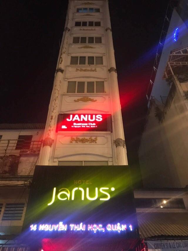 Khách sạn Janus bị kiểm tra