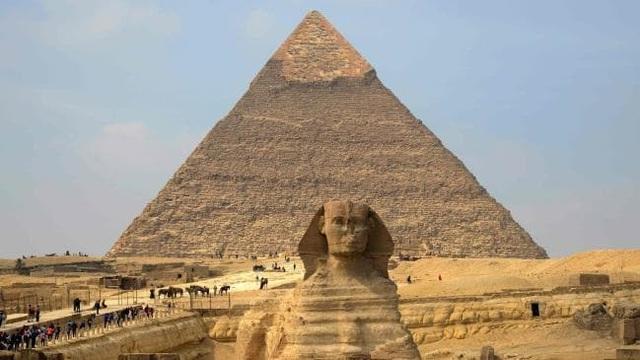 Kim tự tháp là chốn linh thiêng, đồng thời là niềm tự hào của người dân Ai Cập