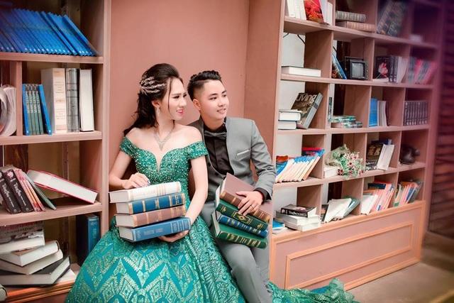 Cả Minh Anh và Minh Khang đều chưa chuyển giới hoàn toàn, để duy trì vẻ ngoài như mong muốn cặp đôi phải tiêm thuốc hormone