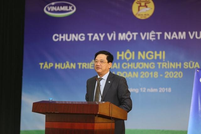 Ông Phạm Xuân Tiến - Phó Giám đốc Sở GD&ĐT Hà Nội phát biểu tại buổi tập huấn