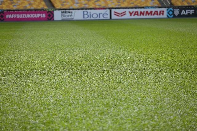 Mặt cỏ sân Bukit Jalil khá đẹp và chuẩn cho một trận đấu chung kết lượt đi AFF Cup