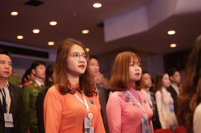 Những bóng hồng xinh đẹp tại Đại hội toàn quốc Hội sinh viên Việt Nam lần thứ 10 - 10