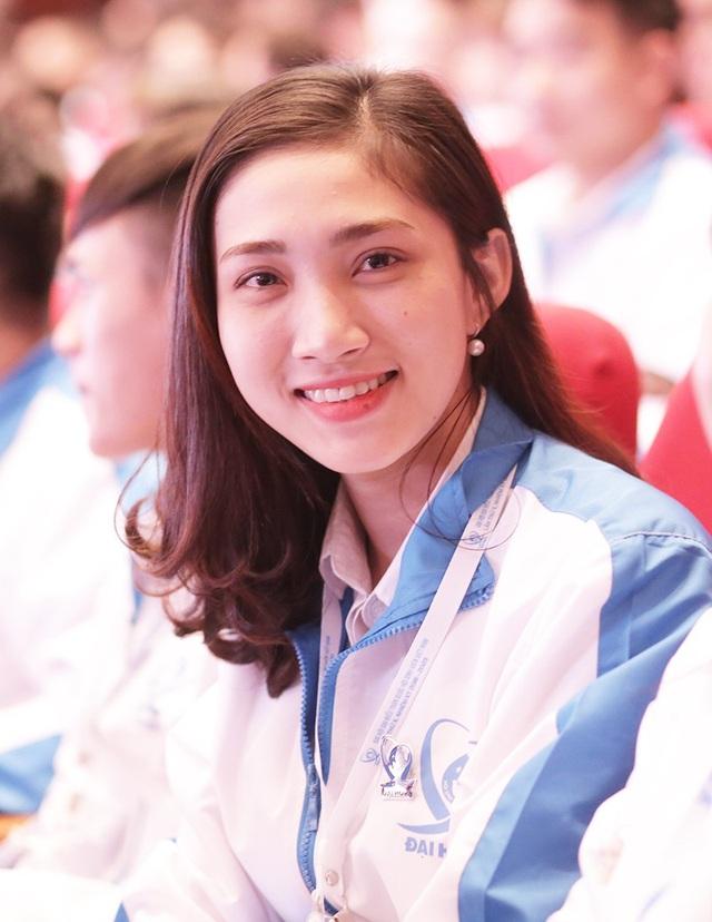 Những bóng hồng xinh đẹp tại Đại hội toàn quốc Hội sinh viên Việt Nam lần thứ 10 - 9