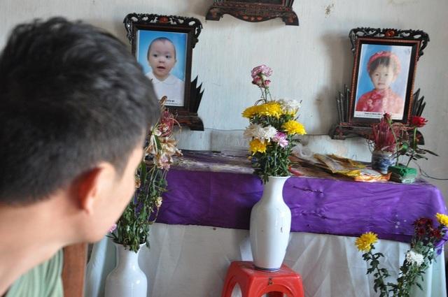 Hàng ngày Duy đều cầu xin 2 con phù hộ cho mẹ tỉnh lại.