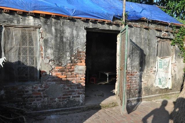 Ngôi nhà của anh Diệp hiện đã xuống cấp trầm trọng.