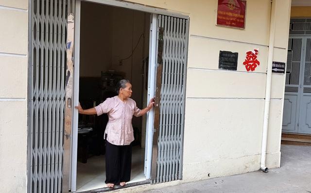 Gia đình cụ Uy phải ở nhờ nhà cộng đồng cụm 4 phường Trung Phụng gần 3 năm nay.
