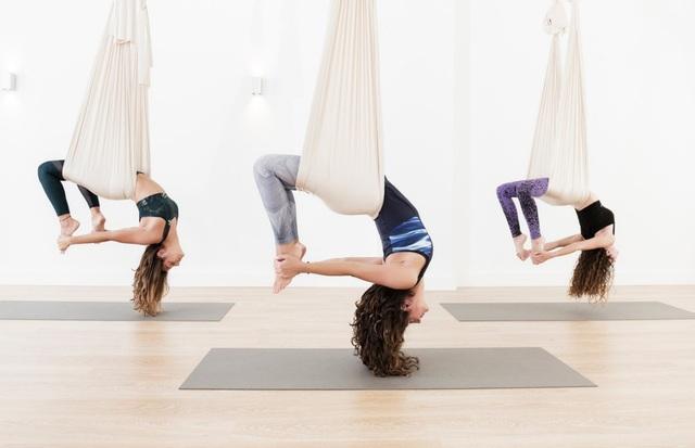 Yoga bay – môn thể thao đẹp mắt, đậm chất nghệ thuật