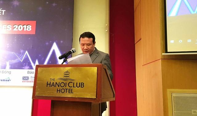 PGS.TS Nguyễn Hồng Sơn, Phó Giám đốc ĐHQGHN phát biểu.