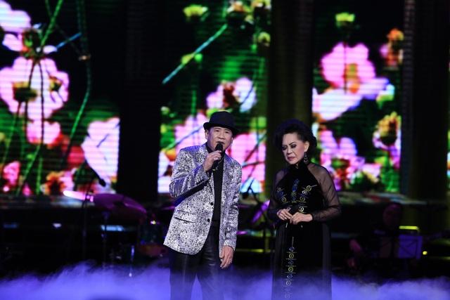 Tuấn Vũ và Giao Linh song ca cùng nhau ca khúc Sầu tím thiệp hồng.