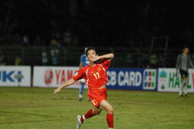 Người hùng Vũ Phong của Việt Nam góp phần khiến Malaysia rời AFF Cup 2008 sau vòng bảng